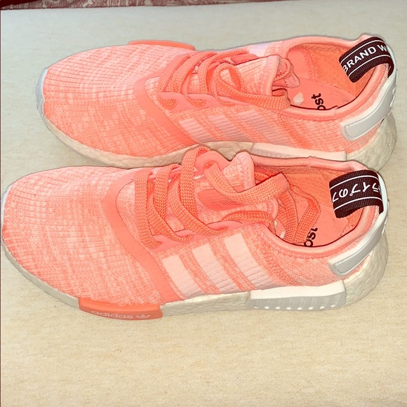 Adidas boost nmd r1 sun glow haze coral pick shoes